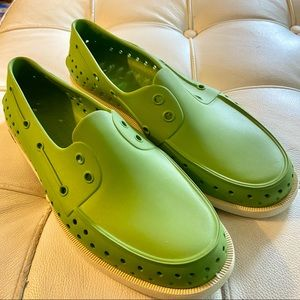 Native shoes water shoes loafers green good cond